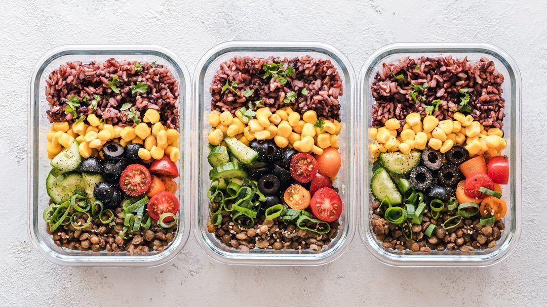 your top nutrition questions answered ryan and alex duo life meal prep containers